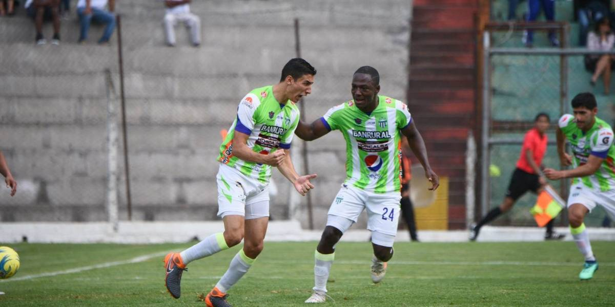 Juvenil futbolista guatemalteco jugará la otra temporada en el extranjero