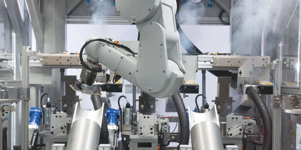 Daisy es el nuevo robot de reciclaje de Apple capaz de desarmar 200 iPhones por hora