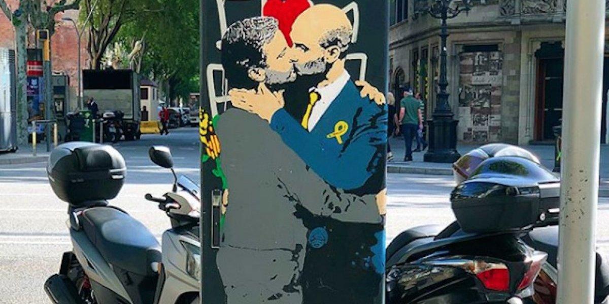 Beso entre Guardiola y Mourinho causa sensación en Barcelona