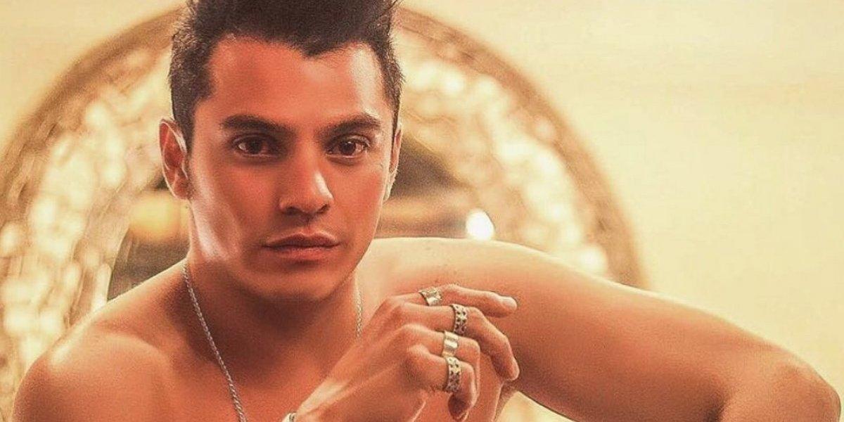 Yahel Castillo sufre acoso sexual tras publicar foto en ajustado traje de baño
