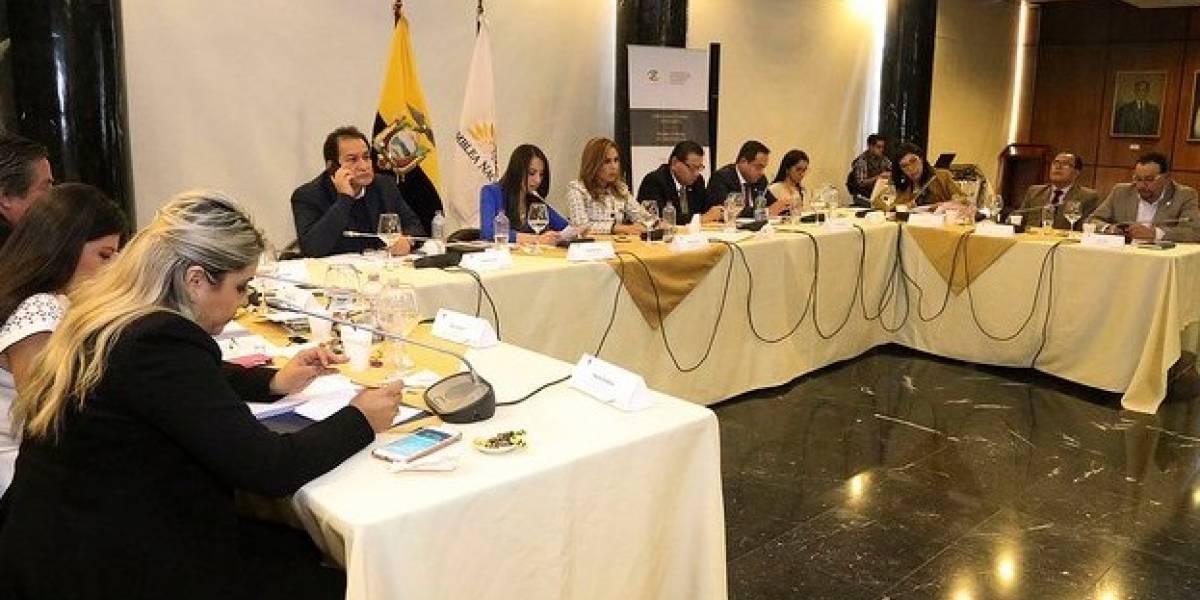 Comisión recomienda juicio político contra fiscal Carlos Baca