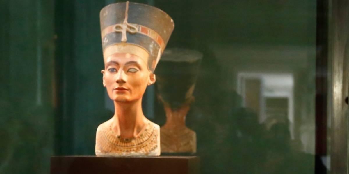 Una mujer lleva más de 51 cirugías buscando lucir igual a la reina egipcia