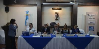 conversatorio del Movimiento Pro Justicia con finalistas a fiscal general