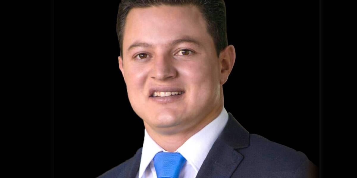 Hallan armas a alcalde de Unión de San Antonio, detenido en León