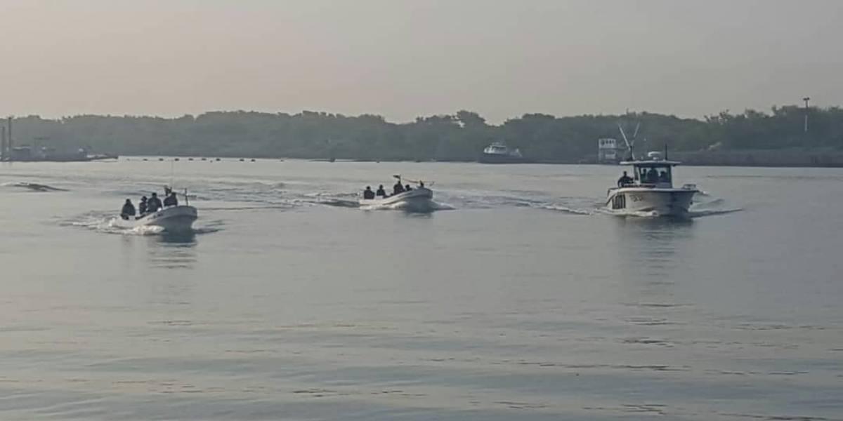 MP inspecciona dos embarcaciones interceptadas por el Ejército en aguas del Pacífico