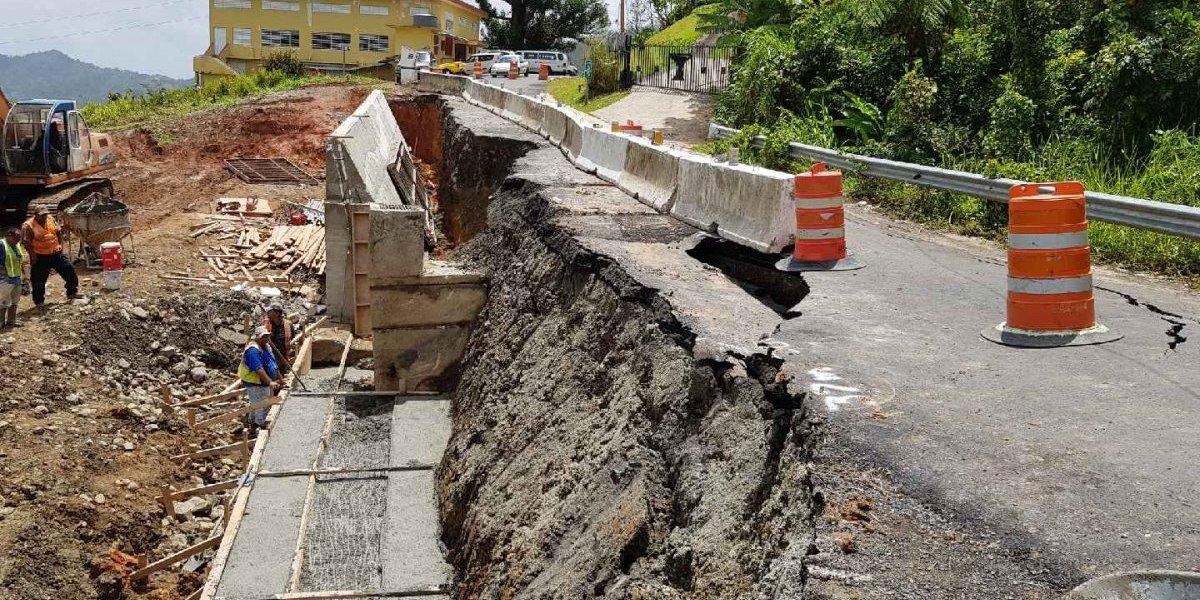 Cierran carretera de Caguas