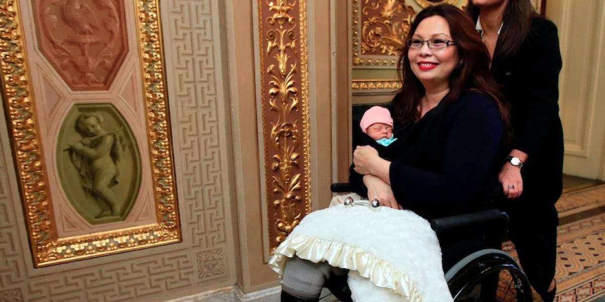 EEUU: Senado permite por primera vez a bebé dentro de cámara