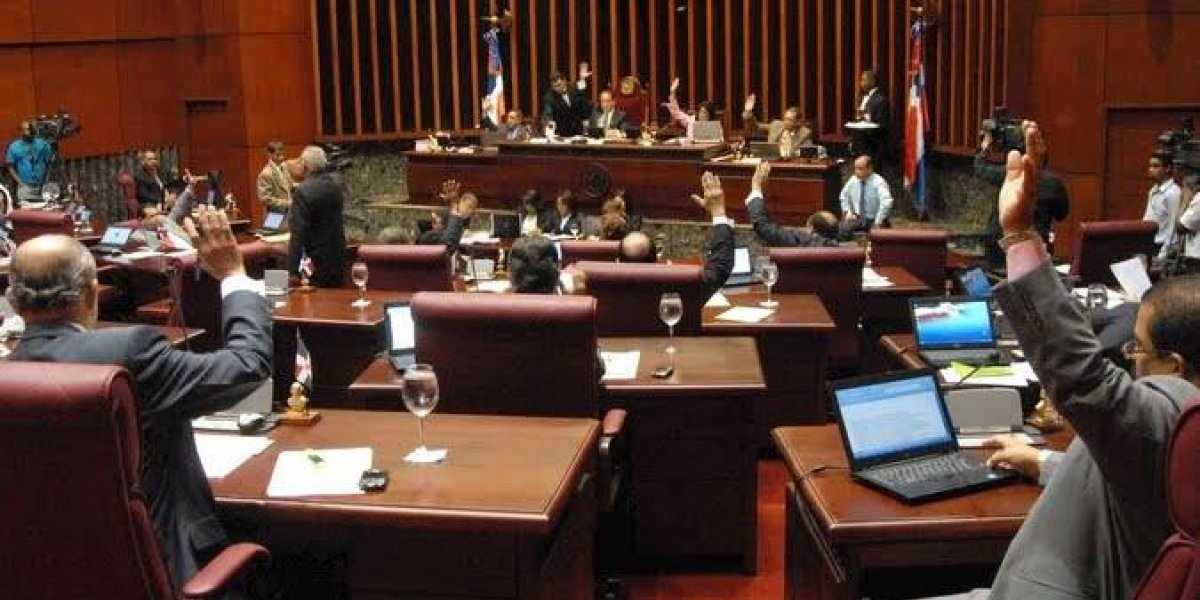 Senado aprueba ley primarias abiertas y simultáneas; ahora pasa a diputados