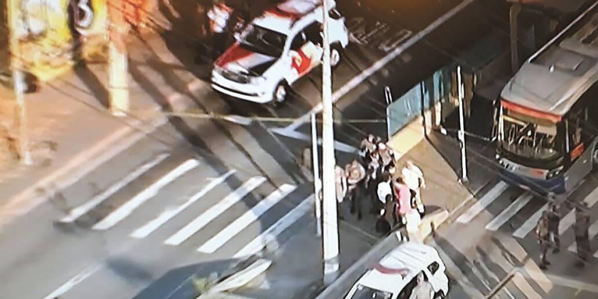 Arrastão no corredor de trólebus deixa 7 baleados em São Paulo