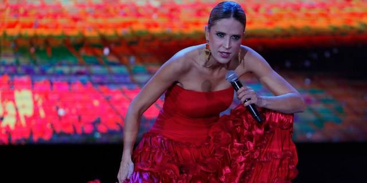 Alejandra Azcárate confiesa presiones de CHV por su rutina en festival de Viña del Mar