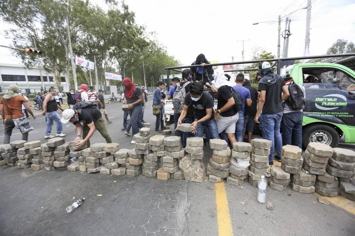 La violencia que se desarrolla en al menos cuatro ciudades del Pacífico y norte de Nicaragua tiene su origen en las nuevas medidas de seguridad social