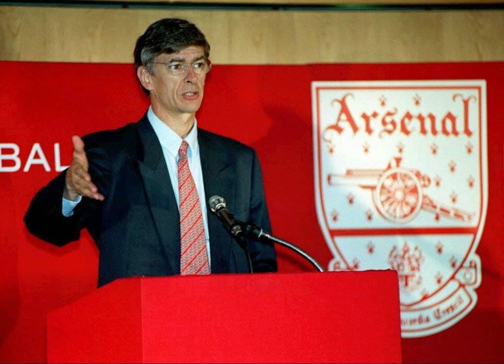 Wenger en su presentación en Arsenal el 1 de octubre de 1996 / Foto: AP