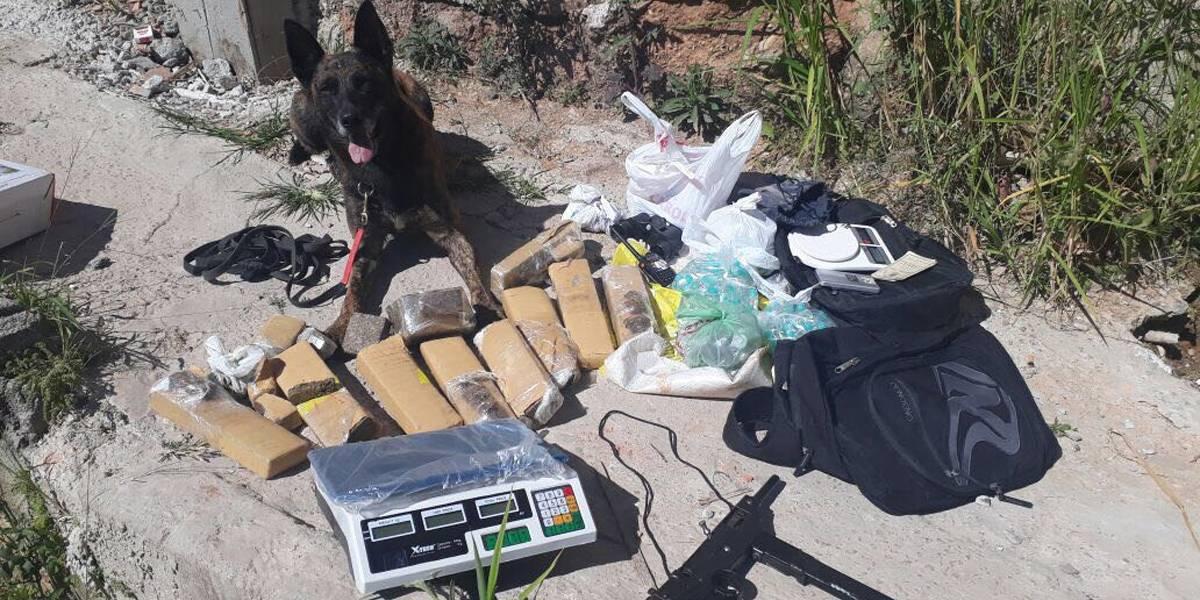 Operação em Jundiaí apreende drogas e metralhadora