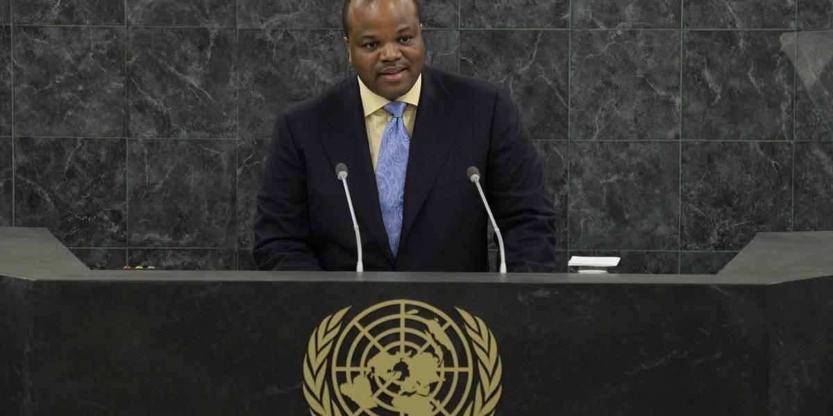 Rei da Suazilândia, na África, altera o nome do próprio país