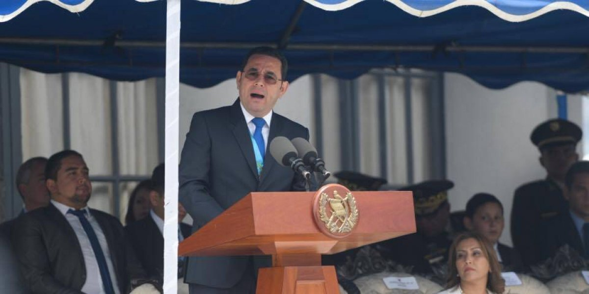 """Presidente pide """"públicamente"""" ordenar investigación sobre acuerdo de CICIG"""