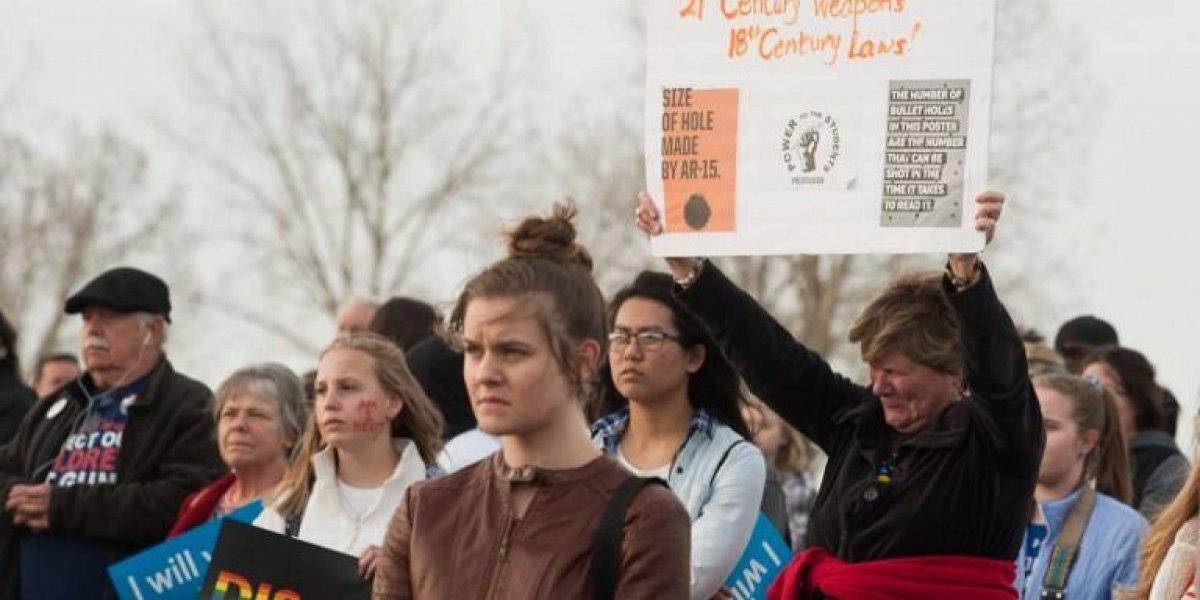Se reporta tiroteo en escuela de Florida mientras conmemoran aniversario de masacre Columbine