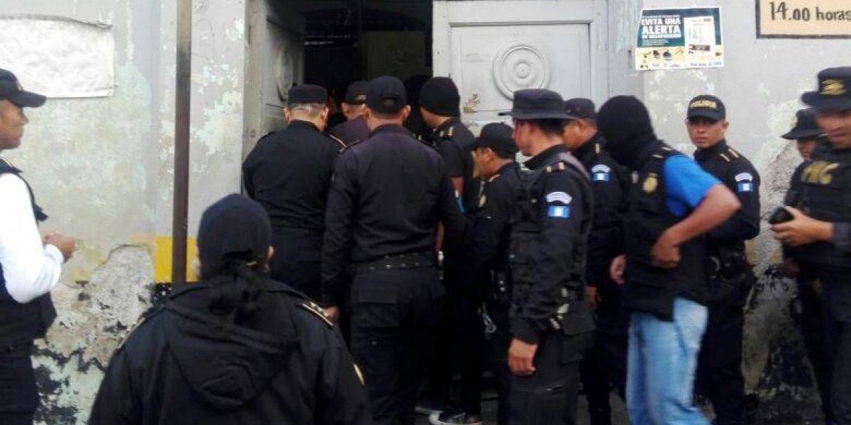 Sorprenden a reos con una requisa en la cárcel de Jalapa