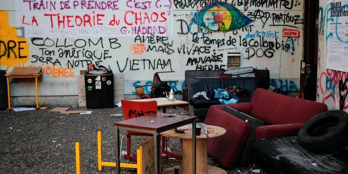 Desalojan a la fuerza a estudiantes de universidad en París