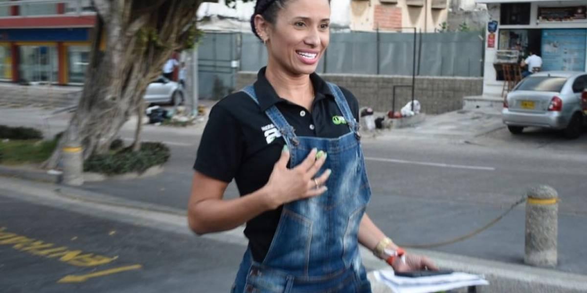 Denunció que presunto escolta de Santos la extorsionó con fotos íntimas