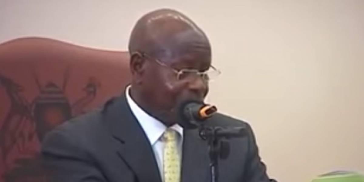 """""""La boca es para comer"""": presidente de Uganda quiere prohibir el sexo oral y lanzó una advertencia a su pueblo sobre las """"prácticas equivocadas"""""""
