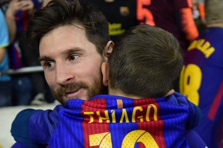 Messi junto a su hijo Thiago