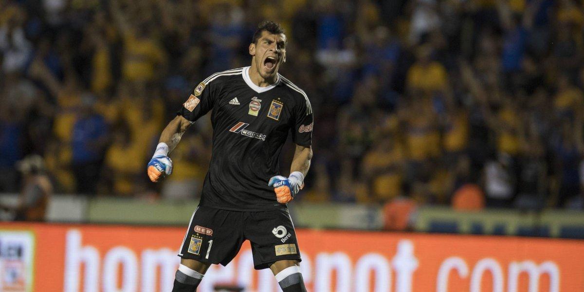 Nahuel Guzmán se reincorpora a Tigres sin dar negativo a prueba Covid-19