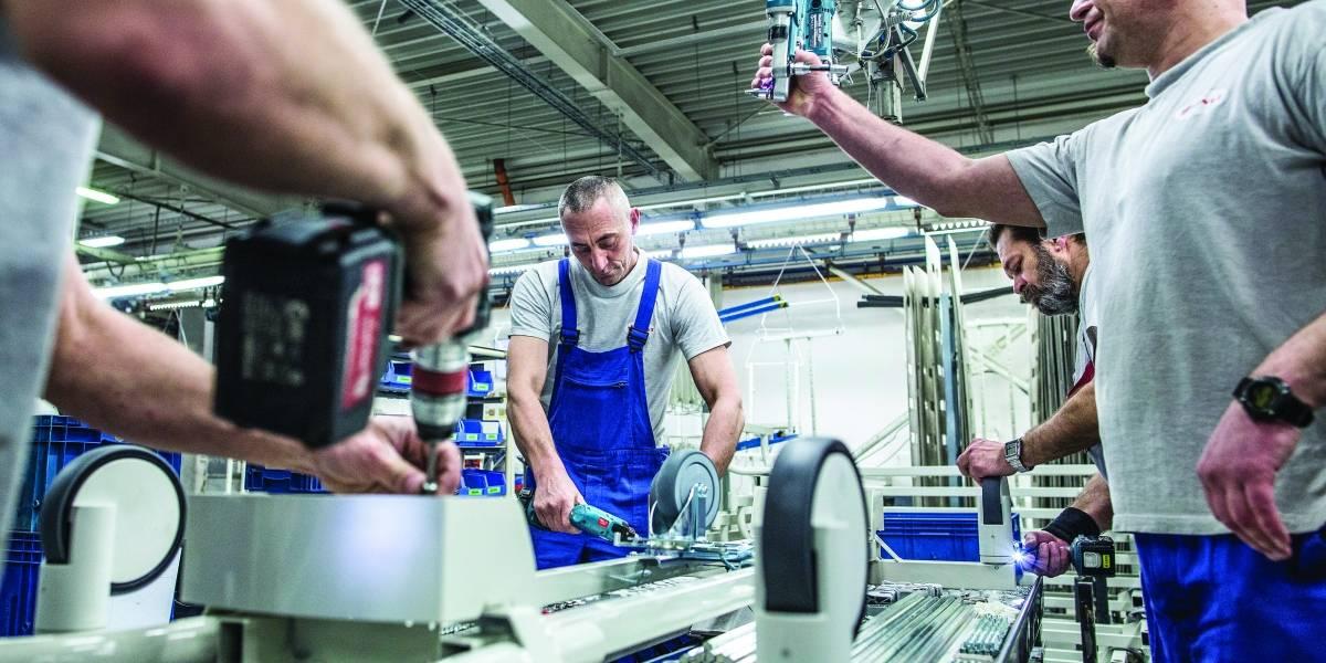 Recurren a los robots ante déficit de trabajadores