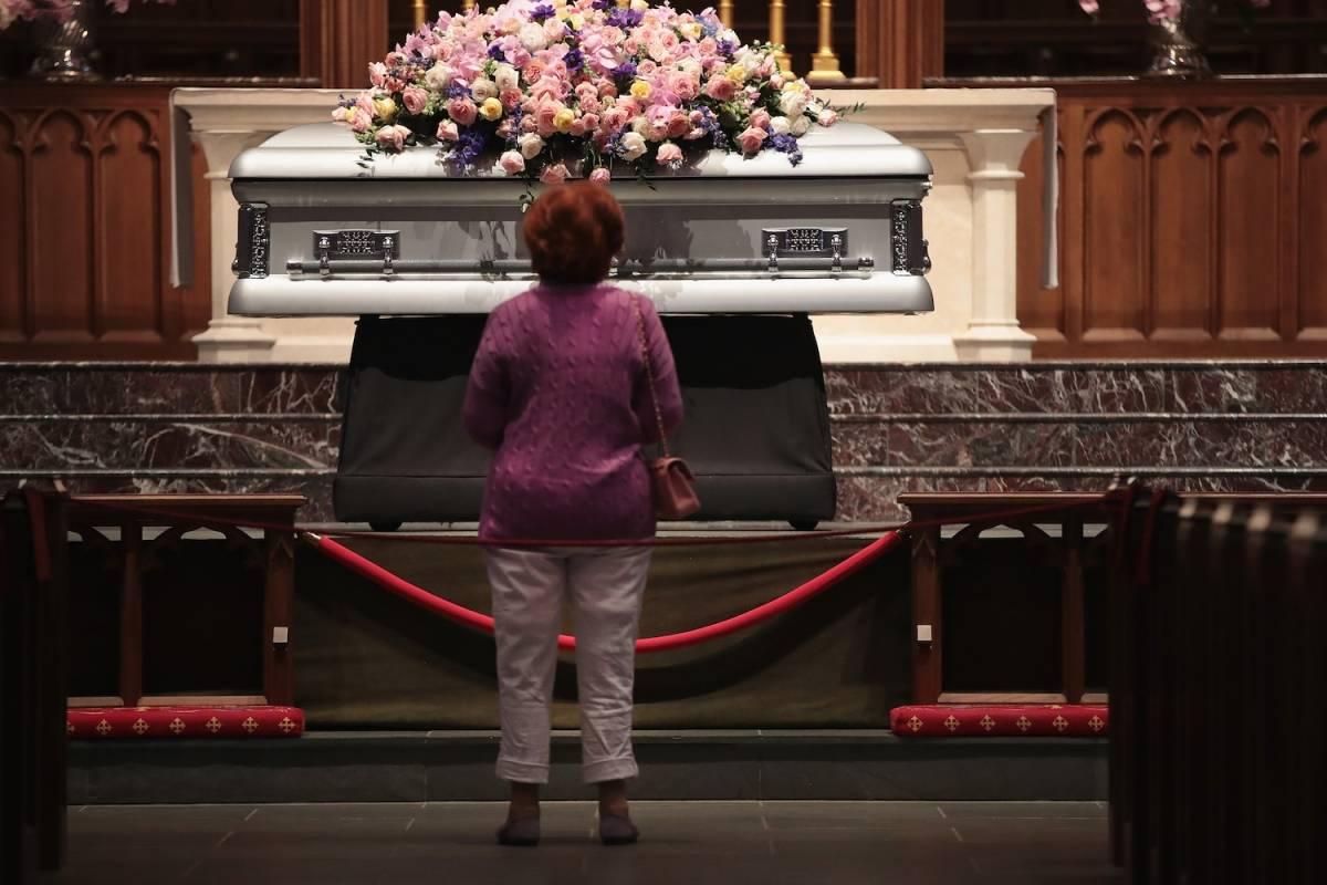 """""""Mamá nos volveremos a ver contigo, con Robin y con todos los hijos de Dios. Te quiero"""", señaló Jeb Bush, con voz entrecortada. Foto: Getty Images"""