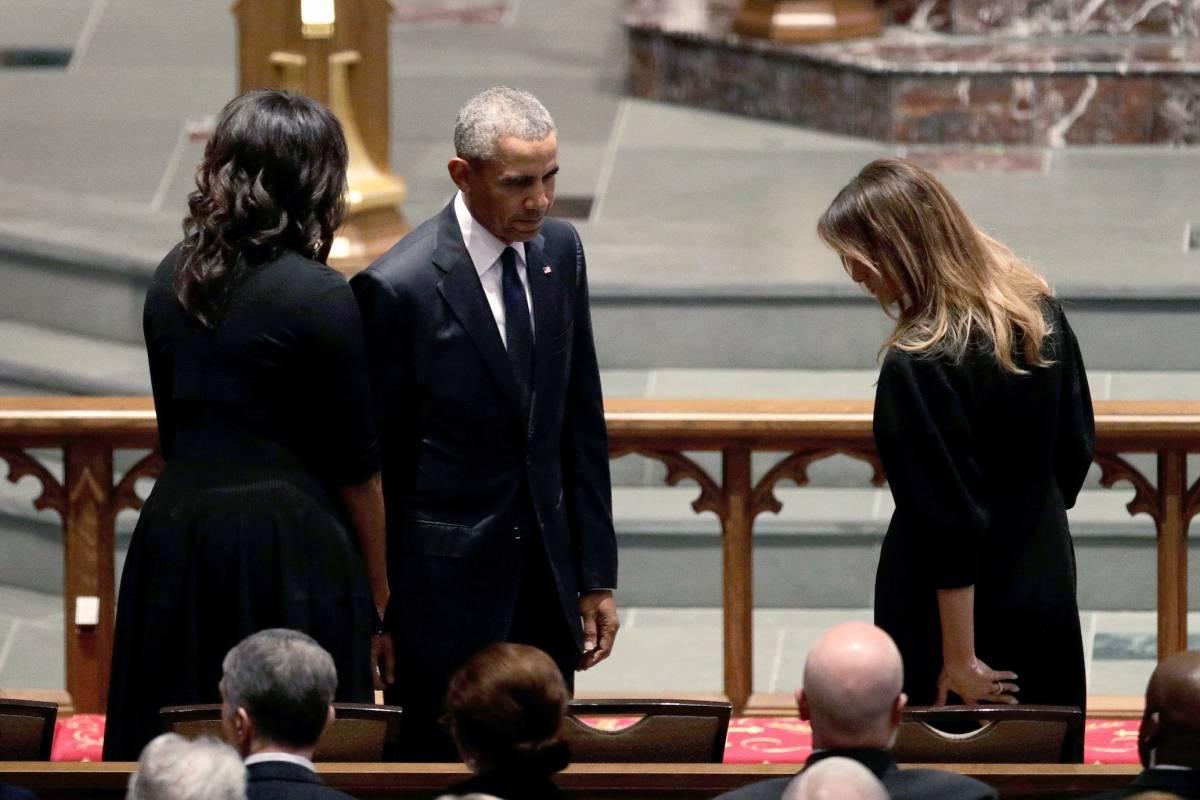 El ex presidente Barack Obama estuvo acompañado por su esposa, la ex primera dama, Michelle Obama. Foto: Getty Images