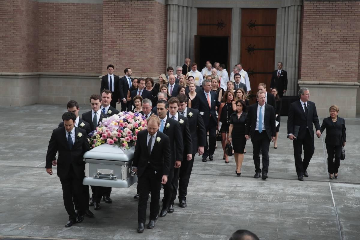 """El cortejo fúnebre fue despedido con """"El Himno a la Alegría"""" Foto: Getty Images"""