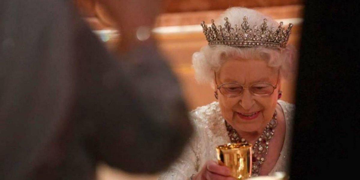 Entre estrellas de Londres la reina Isabel II celebra su cumpleaños