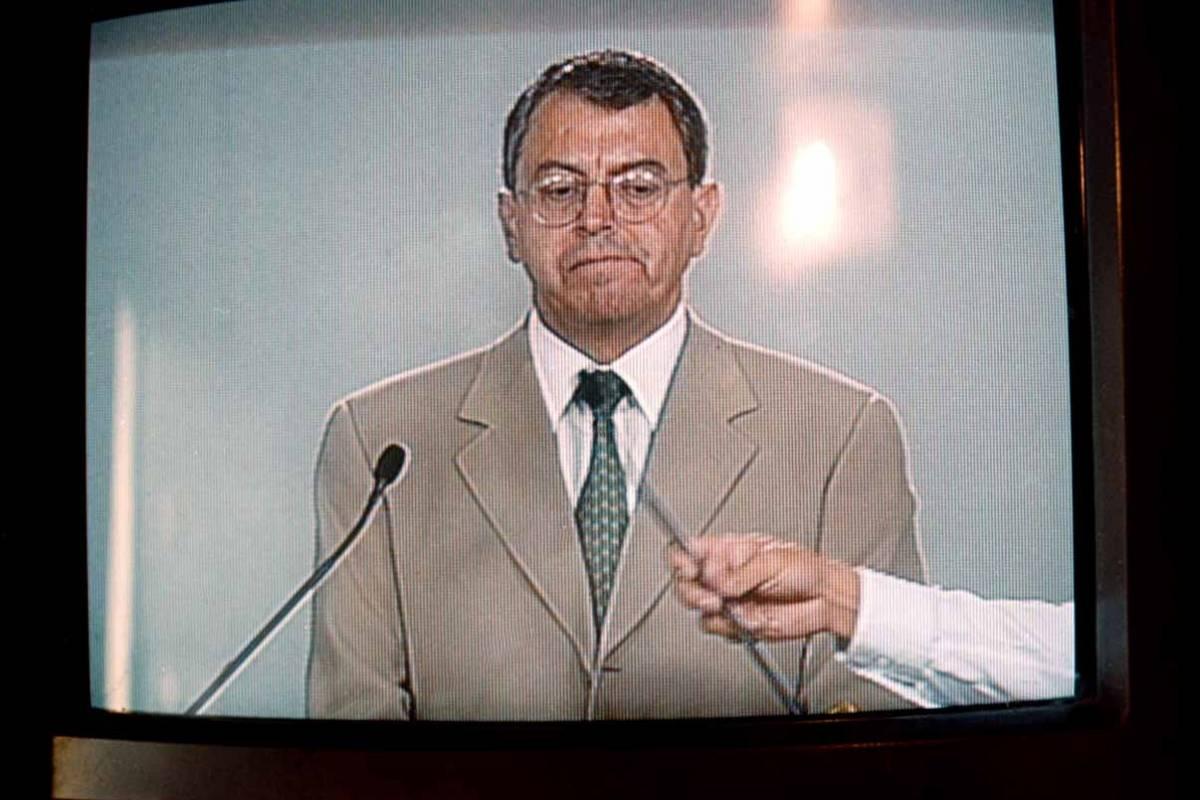 Manuel Camacho Solís, durante el ensayo a puerta cerrada que se realizó en el World Trade Center previo al debate presidencial. Era candidato por el Partido de Centro Democrático. Foto: Cuartoscuro