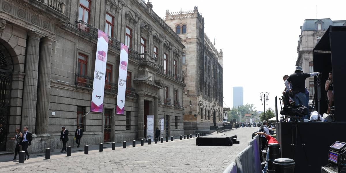 Molesta a visitantes del Centro Histórico cerco policial por debate