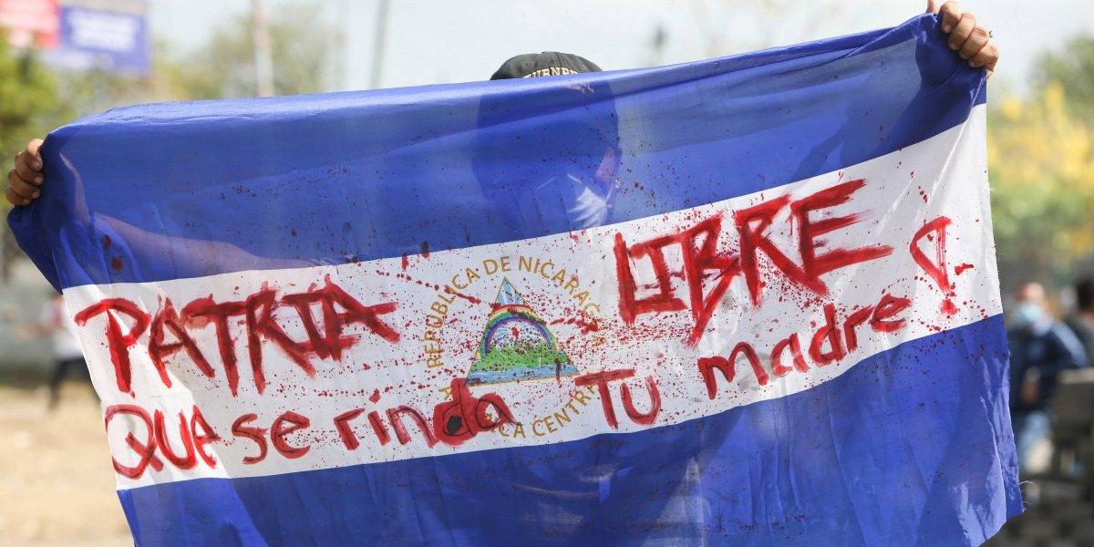 Entregan 42 mil firmas a embajador de Nicaragua en México