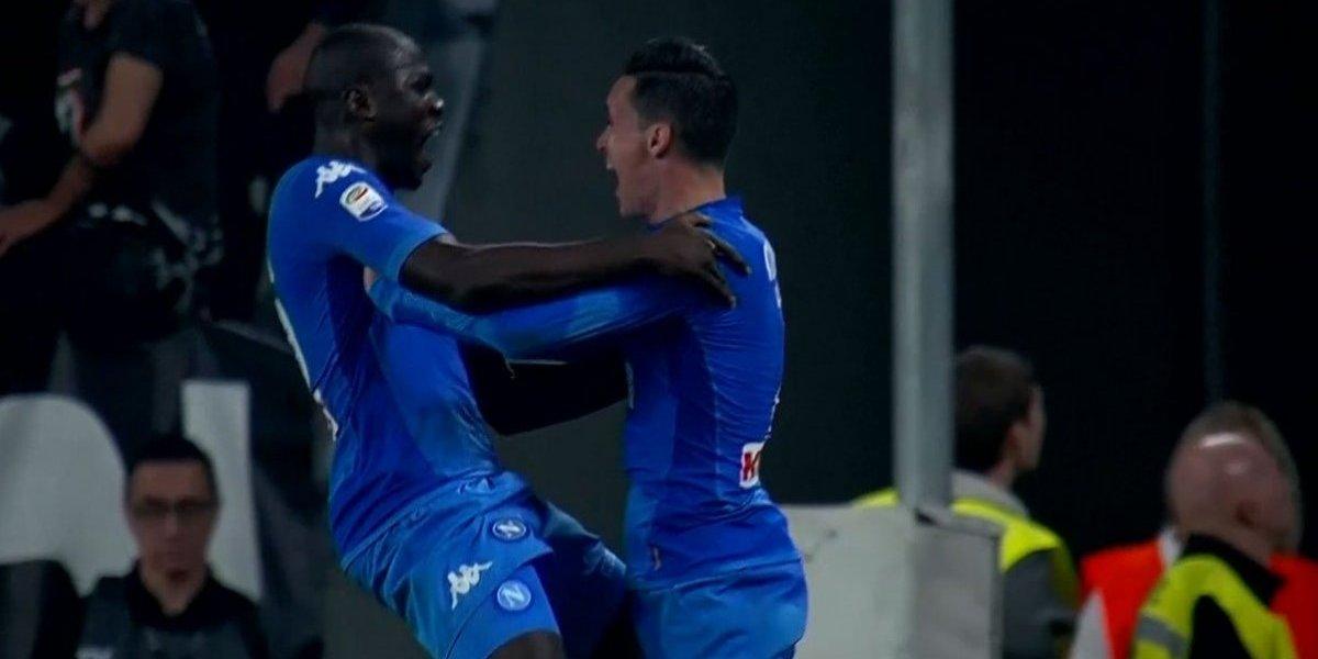 Napoli le ganó a Juventus de visita en el último minuto y dejó el Calcio en llamas