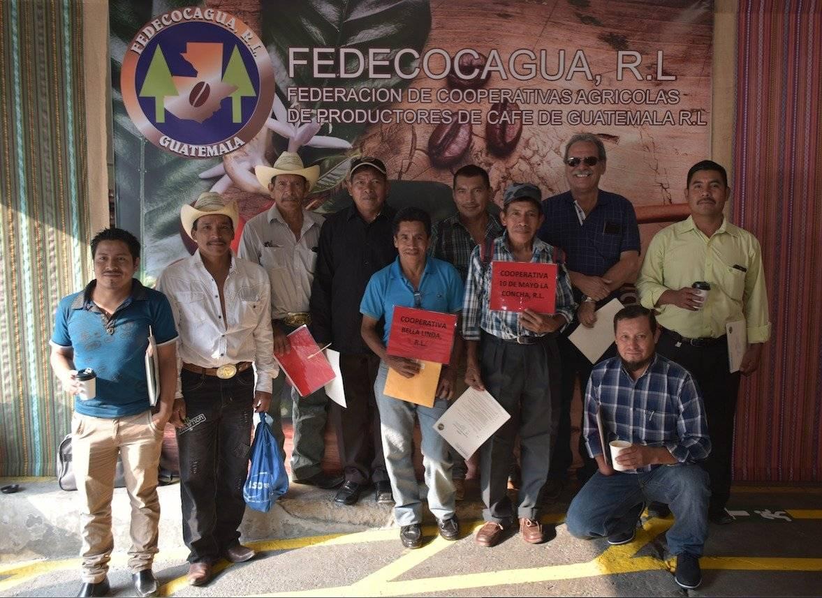 Productores participan en el lanzamiento de Cadenas de Café.