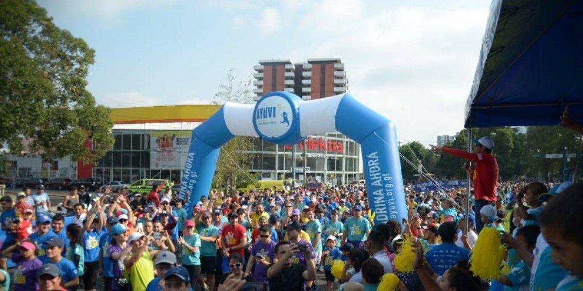 FOTOS: Corren para ayudar a la lucha contra el cáncer