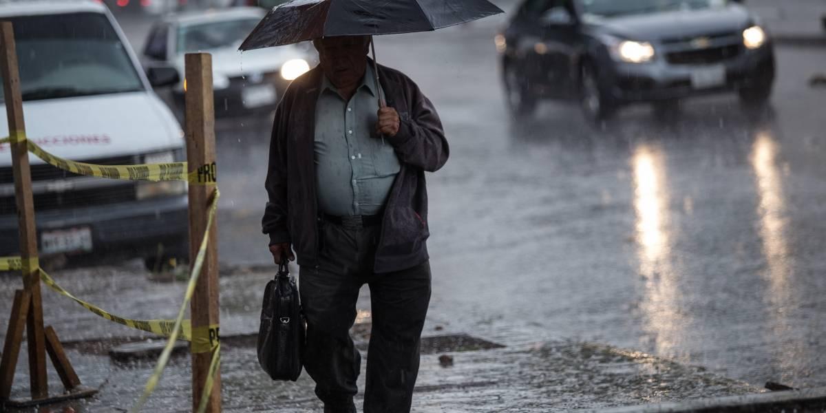 Lluvia y granizo en la CDMX ¡Saque sus paraguas!