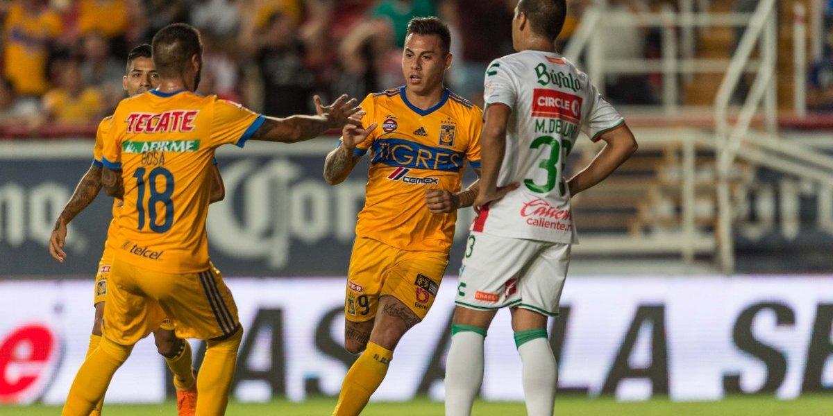 Eduardo Vargas definió como crack para marcar en el empate entre Tigres y Necaxa