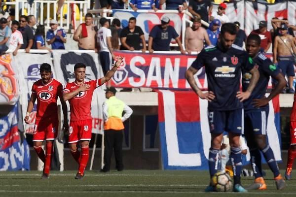 Brian Fernández celebrando su segundo gol en la goleada ante la U / Foto: Photosport