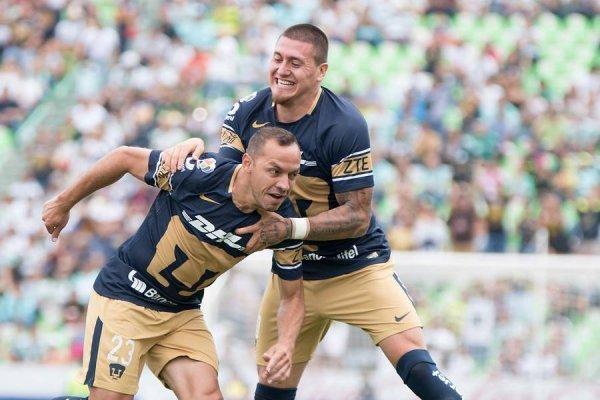 Díaz y Castillo, pilares fundamentales de Pumas / Foto: Photosport