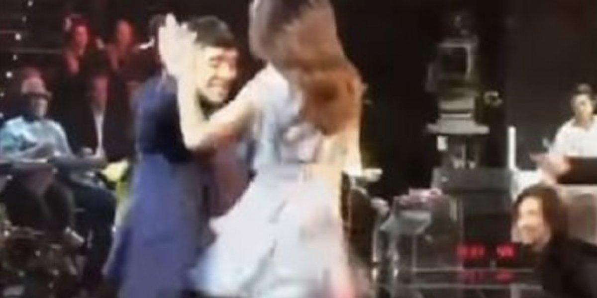 Maradona presume pasos de baile en Italia