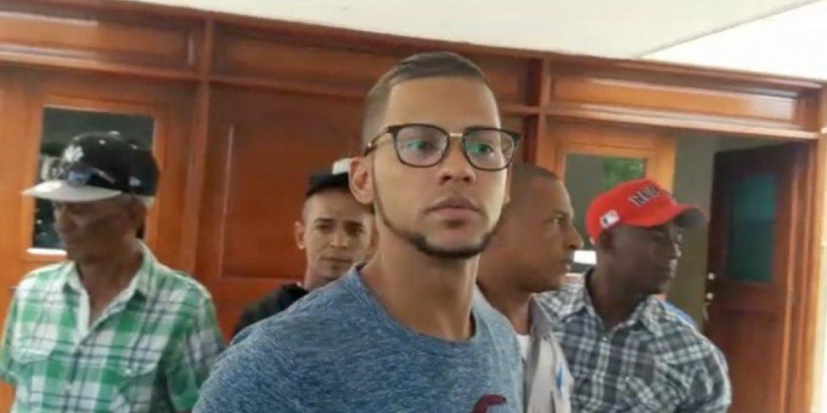 Envían a prisión a acusado de disparar contra colegio en Baní