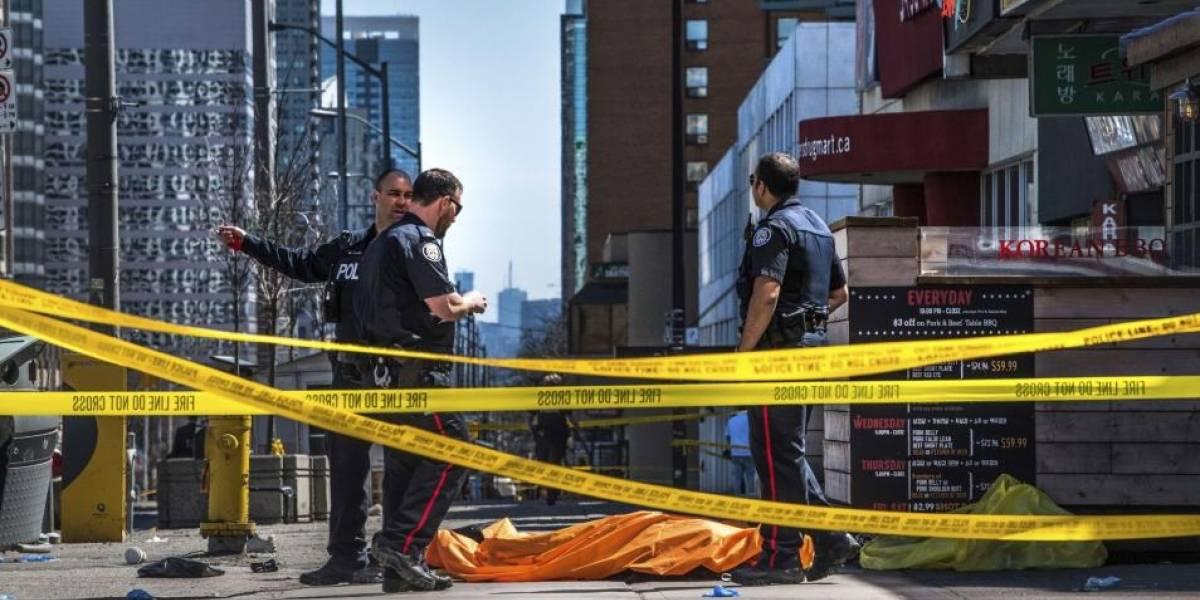 Policía detiene al conductor de furgoneta que arrolló a personas en Toronto