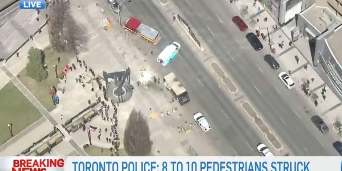 Arrolla vehículo a peatones en Toronto; reportan 10 heridos