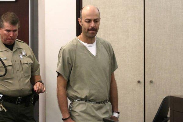 Esteban Loaiza es liberado de la cárcel, se presume que fue por buen comportamiento o por la pandemia de COVID-19