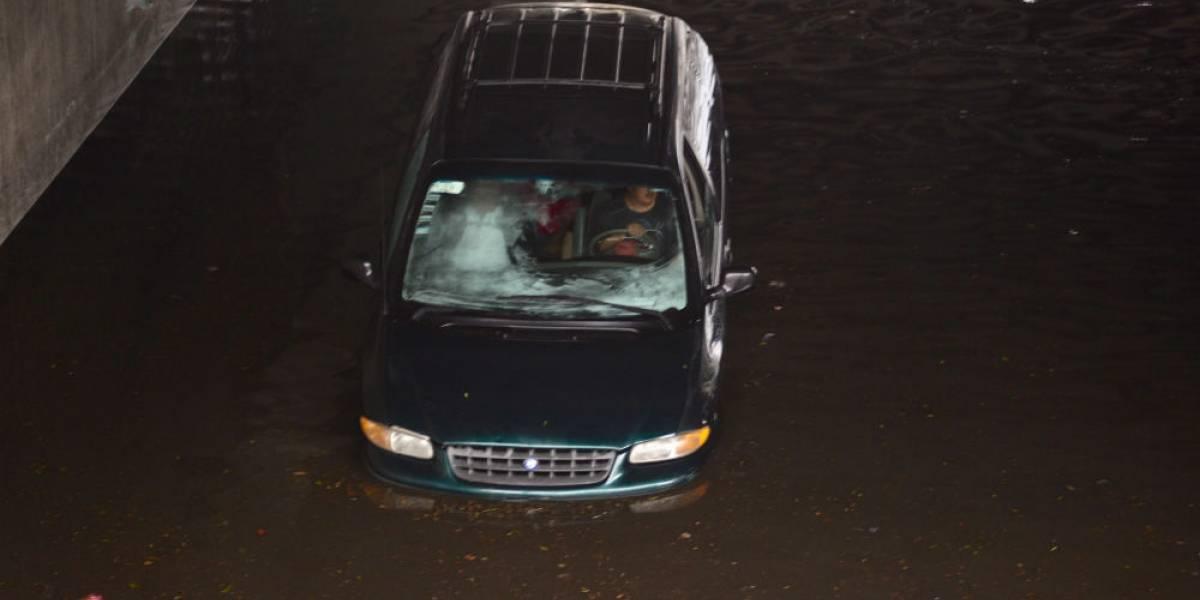 Granizo deja fuertes inundaciones en Toluca