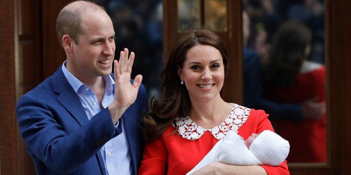 La duquesa de Cambridge y el príncipe William presentan a su tercer hijo
