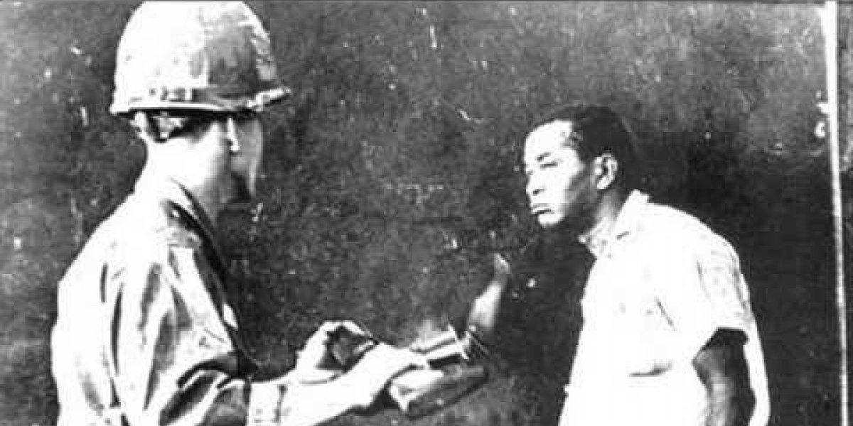 Libros, audiovisuales y fotografías simbólicas de la Revolución de Abril