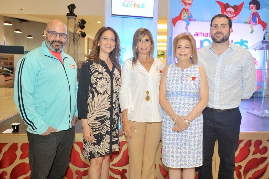 Rene del Risco, Jacqueline Martinez, Jacqueline Gonzalez, Patricia Gonzalez y Aldo Pellicce